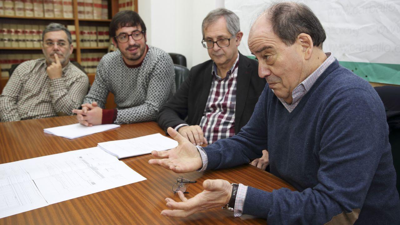 Feijoo acudió a la presentación de Aurelio Núñez como candidato del PP de Carballo.Ciclo OTNI del FIOT