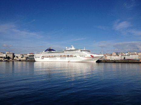 Margallo.El «Oceana», en A Coruña
