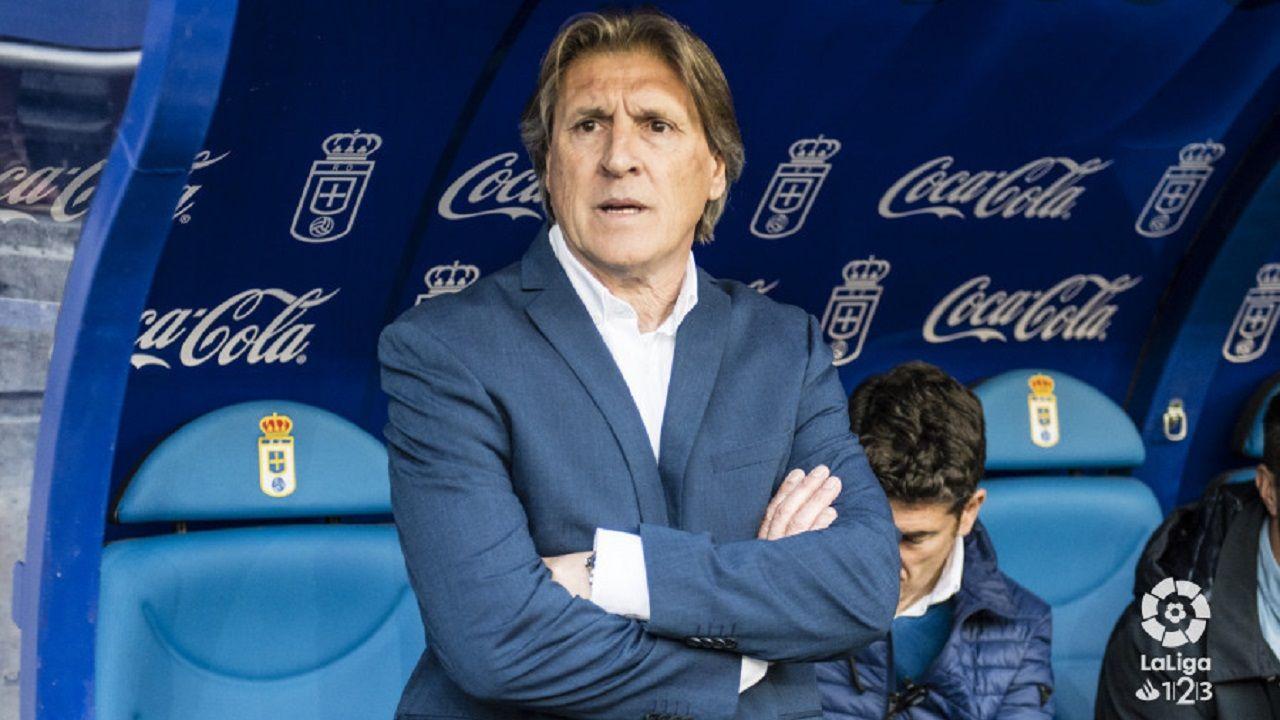 Sergio Egea en el banquillo del Carlos Tartiere