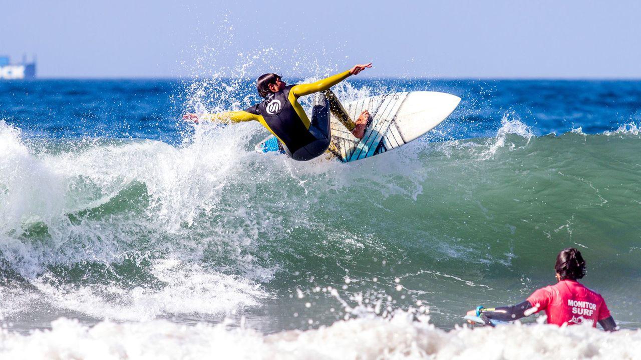 Surf en Asturias surf en Salinas escuela de surf surfing.