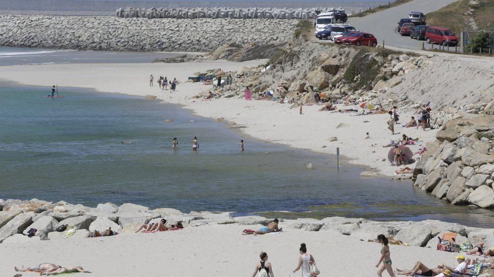 Playa de Retorta, en Boiro.Playa de Alba-Sabón, en Arteixo
