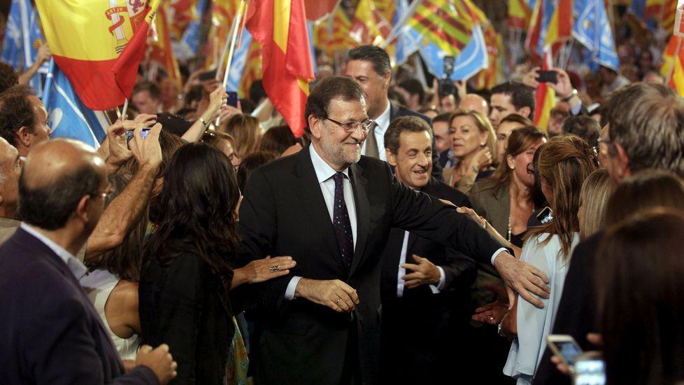 .Rajoy se hizo acompañar por Sarkozy, quien dijo que las elecciones son un problema de Europa.