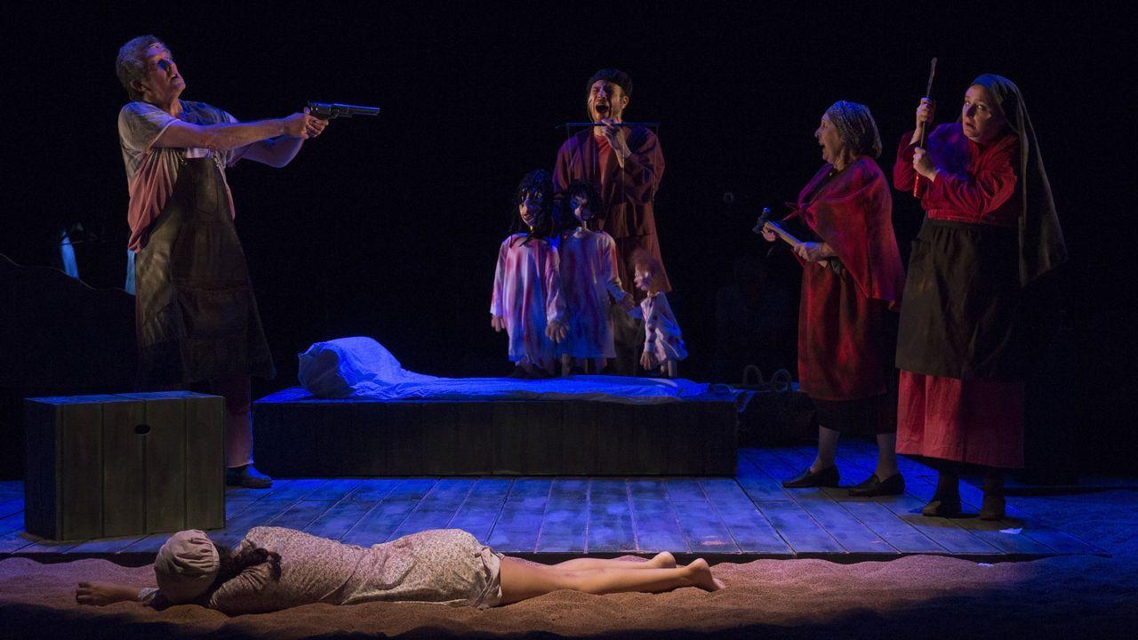 El grupo Son Trío, entre los ganadores por su poema musicado.A montaxe de Teatro do Noroeste desenvólvese nun espazo baleiro e sinxelo