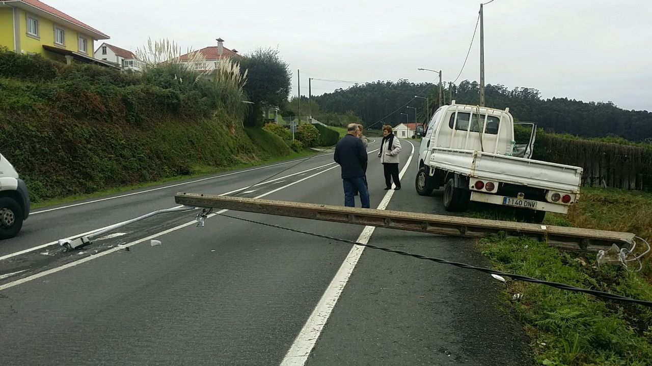 Las imágenes de las inundaciones en varias zonas de Ferrol.En la imagen, el CEIP Manuel Fraga Iribarne de Cariño