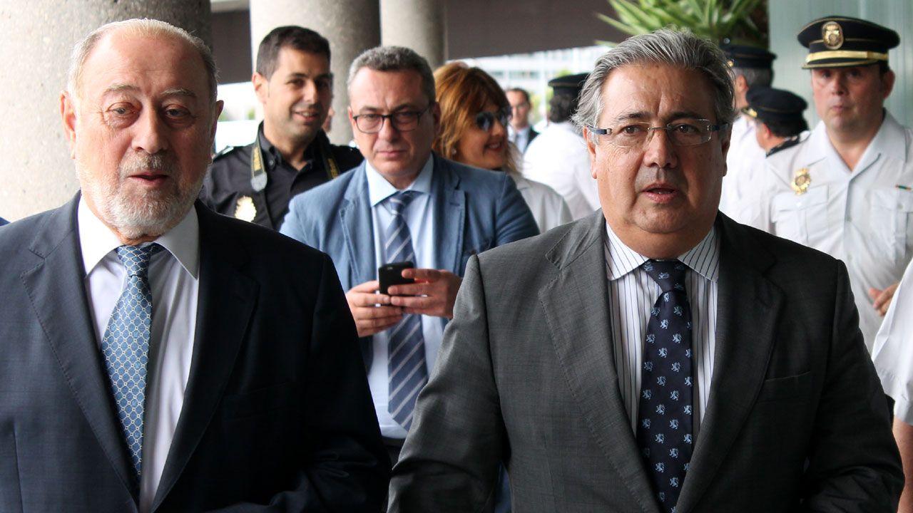 Lopetegui.Gabino de Lorezo, junto al ministro del Interior, en Gijón