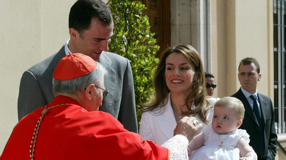 .Presentado a Leonor ante la virgen de Atocha.
