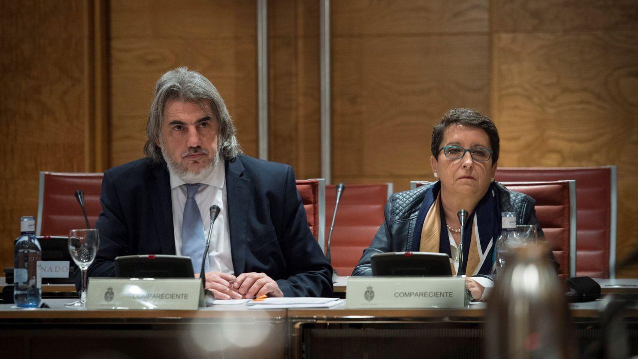 .La presidenta de la Plataforma por las Garantías Ciudadanos, Inmaculada Sánchez, junto al abogado de la entidad, Alberto Ganga