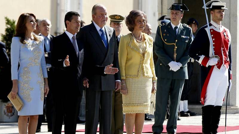 Los reyes de España reciben a Peña Nieto y a su esposa