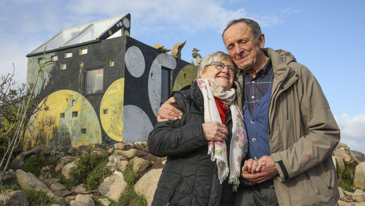 El hermano de Man, Ewald Gnädinger, junto a su mujer