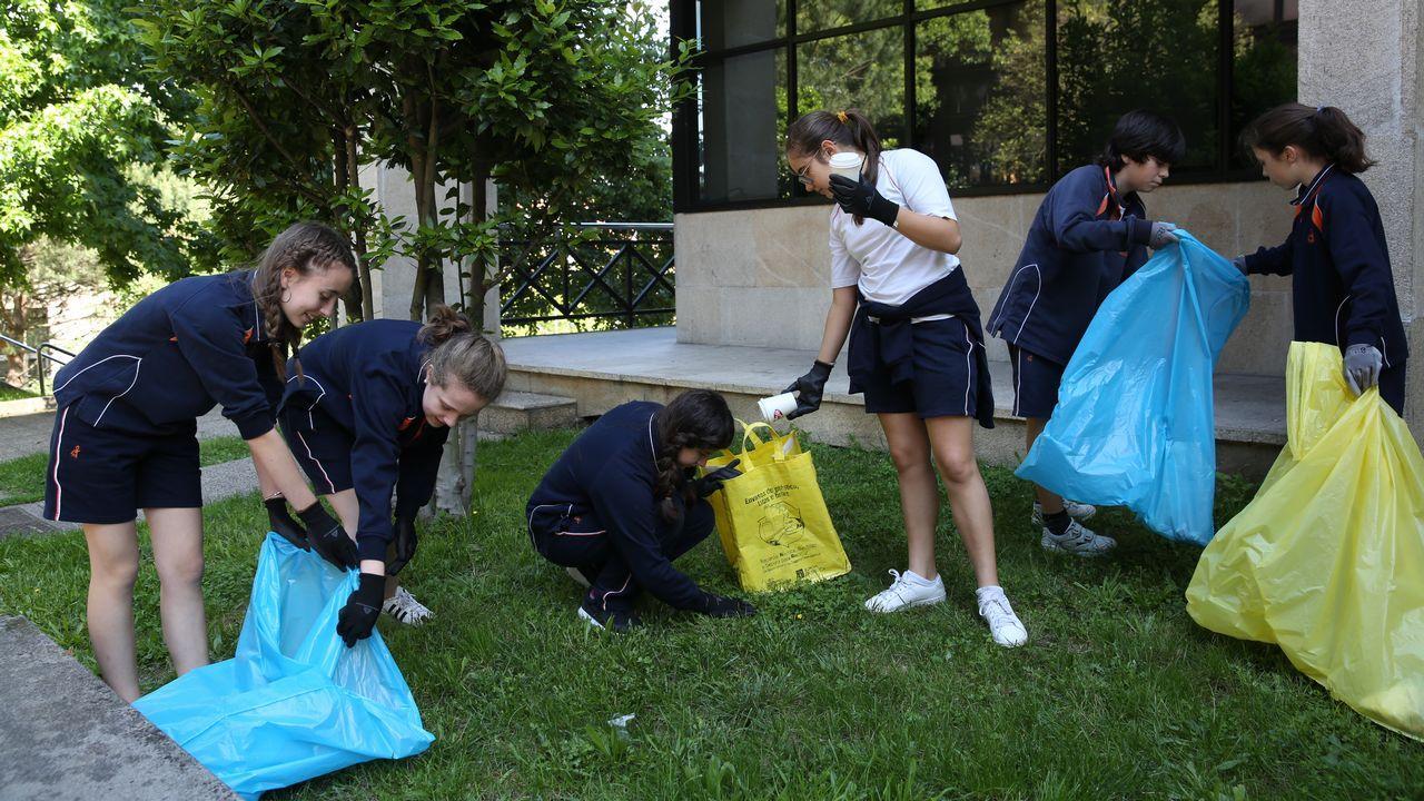 .Los ecovigilantes del Colegio Franciscanas de Ourense hicieron una salida el miércoles