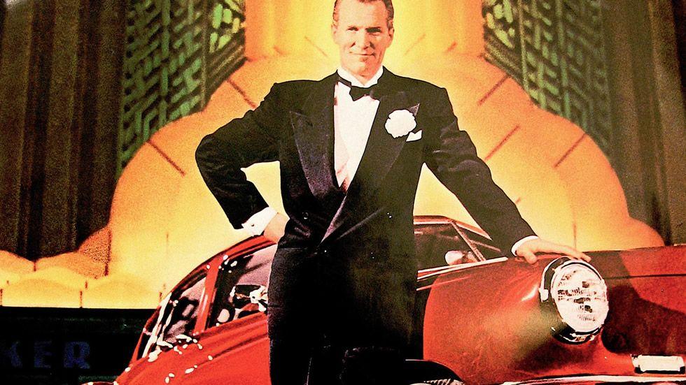 «Tucker: un hombre y su sueño» se centra en el suceso más famoso en la vida de Preston Tucker, inventor, diseñador de vehículos y empresario que, a finales de los años 40, presentó al mundo uno de los mejores coches jamás construidos, el Tucker Sedan, conocido popularmente como Tucker Torpedo.