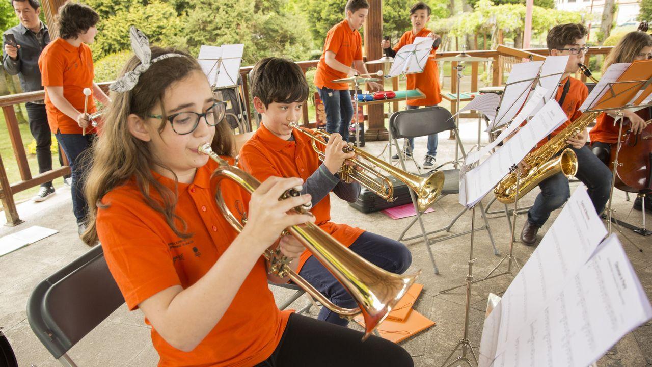 La música salió a la calle en Carballo por el Día de Europa: ¡mira las imágenes!.