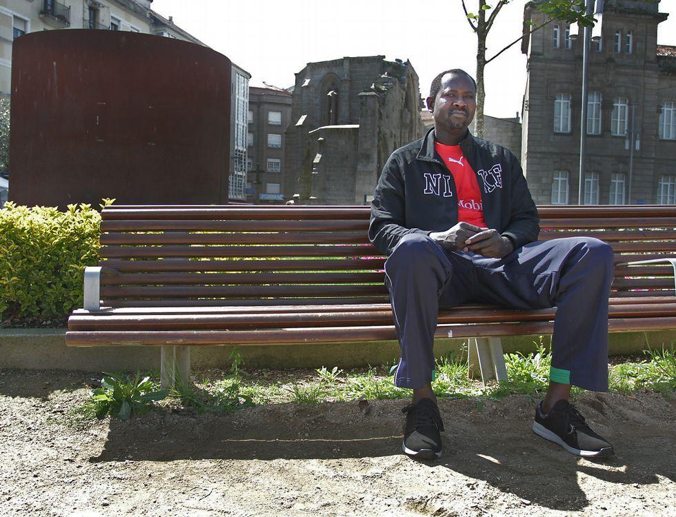 Abdoul trata de viajar a su país siempre que puede para cuidar de los suyos.