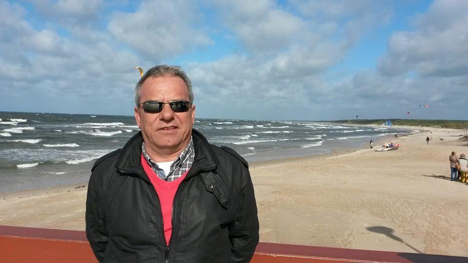 Oficina de empleo.Fabricio Pérez en la playa de Palanga, Lituania