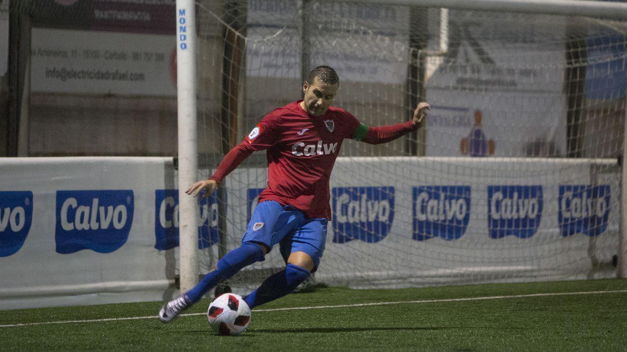 El AVE avanza hacia la frontera con Galicia.Un jugador del Bergantiños, en el encuentro disputado la semana pasada ante el Somozas