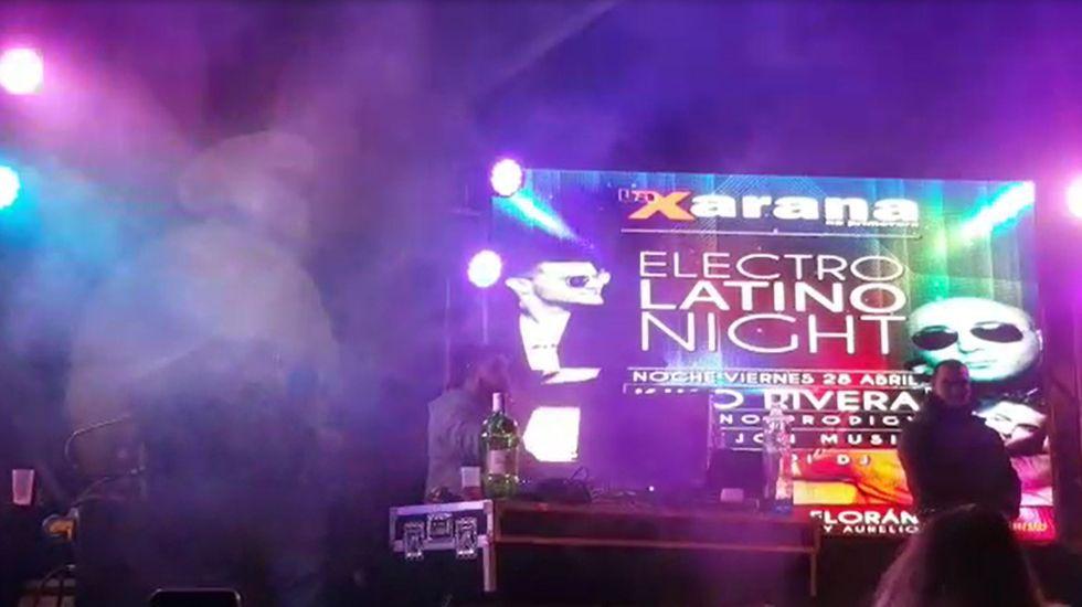 Kiko Rivera en la Xarana na Primavera.Protesta contra los recortes de la concertada