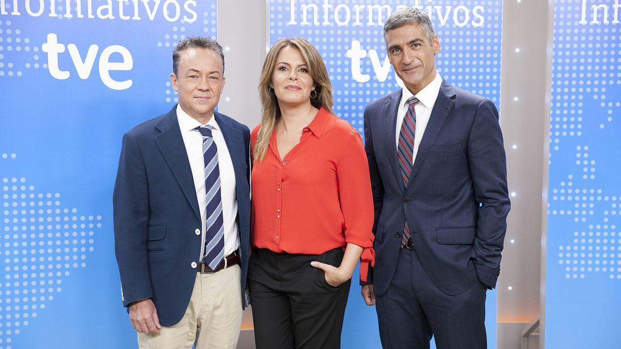 Los actores que dan vida a Fernández-Miranda y a Suárez, en un momento de «De la ley a la ley»