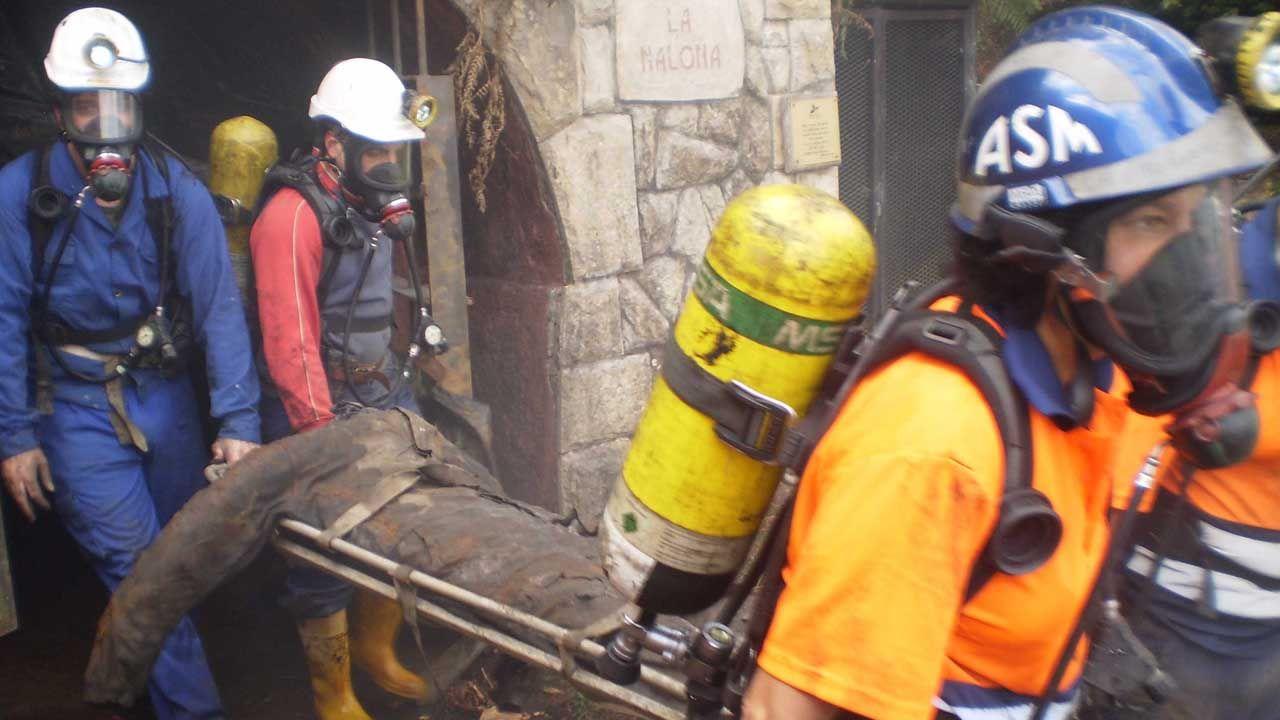 Cae una red que introducía pasta de coca por Marín para procesarla en un laboratorio en Valencia.Brigada de salvamento minero