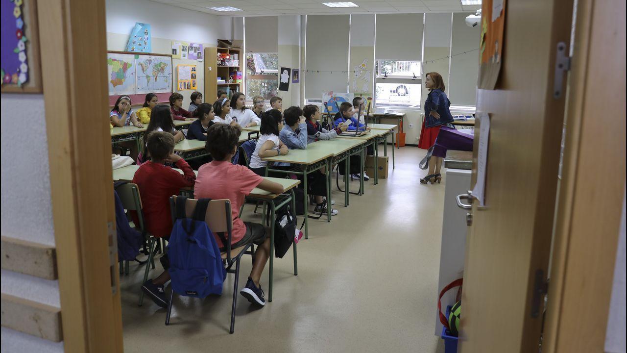 Mantienen el encierro en el IES de Brión para reclamar más profesorado