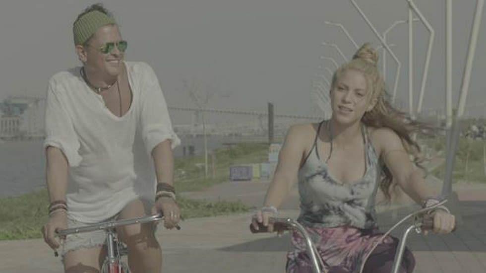 Prince Royce, Shakira - Deja vu.Gente de Zona