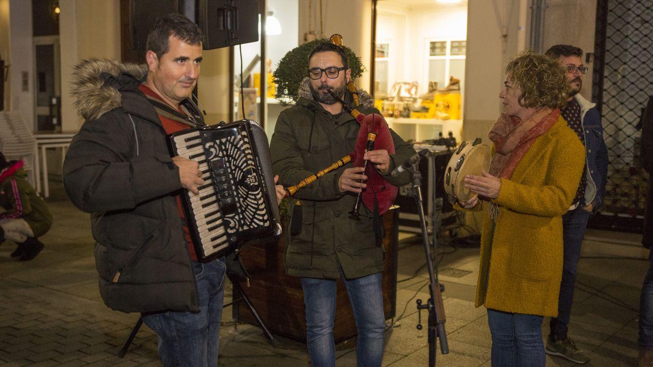 Así fue el Festival de Nadal de Aspaber, en Carballo: ¡miras las imágenes!