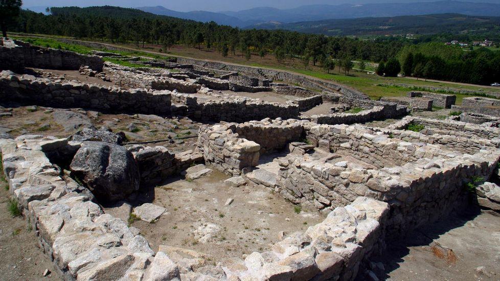 Murallas del «oppidum» de San Cibrao de Las. La tecnología demostró que los muros suponían una barrera visual, tanto desde dentro como desde fuera del recinto, para proteger un espacio religioso
