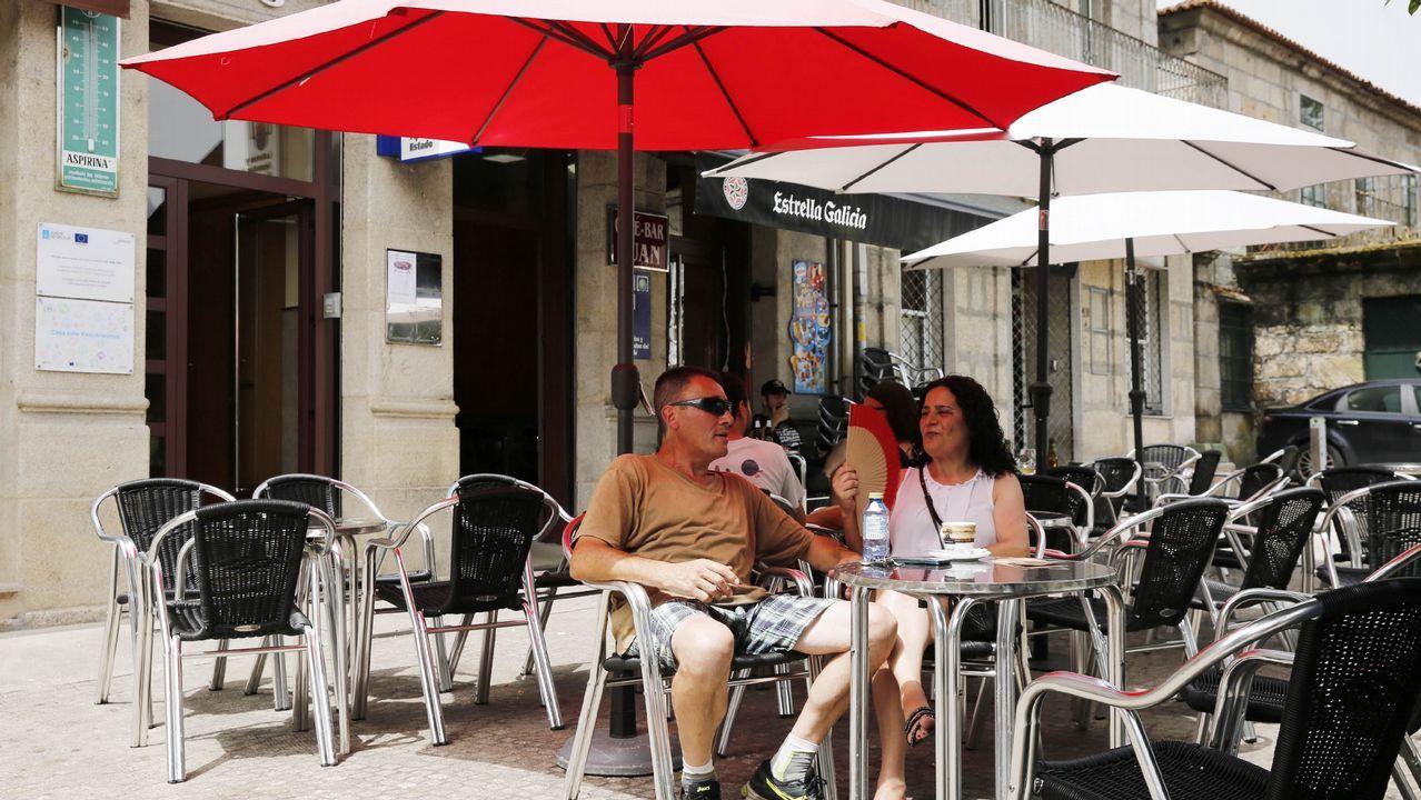 Calles desiertas en Ourense. No se rueda una película. Es la ola de calor