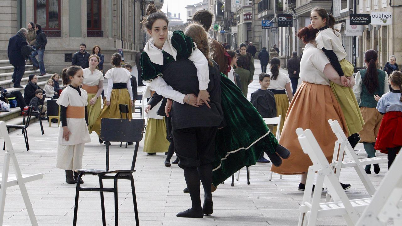 Querer vivir en la aldea... y no poder.Palimoco Teatro representará «Quen ocupa esta cadeira?»