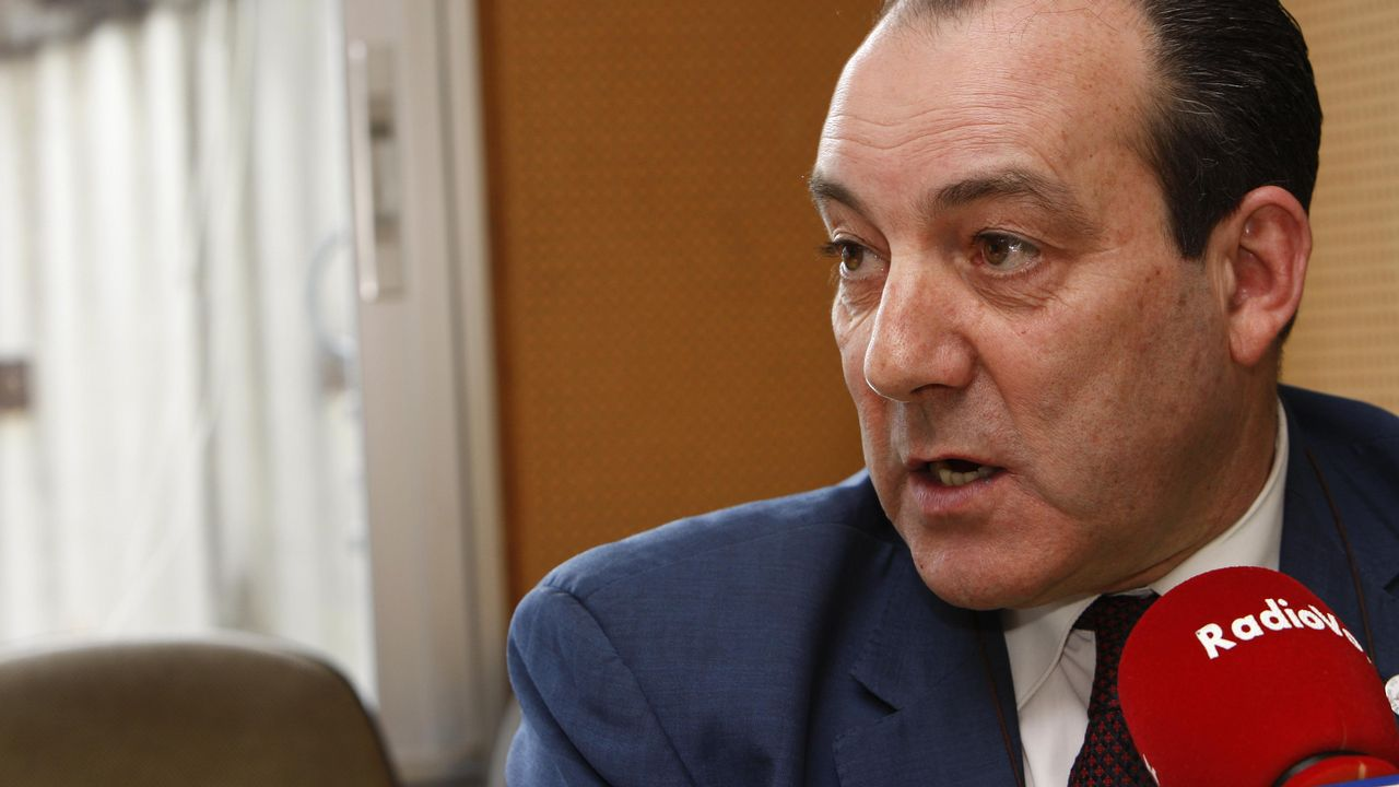 La ministra Calviño plantea una reforma del sistema fiscal para combatir el déficit estructural.Di Maio, eufórico tras su pacto con Salvini