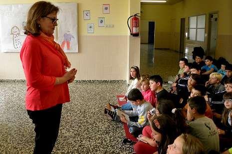 Fina Casalderrey respondeu ás preguntas dos escolares.