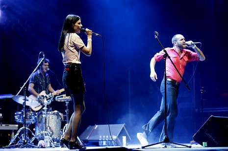Las mejores fotos del festival PortAmérica.El grupo Delafé y las Flores Azules, en una de las actuaciones estelares de la primera jornada del Noroeste Pop Rock.