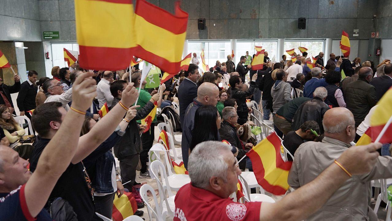 Las imágenes del mitin del BNG en Carballo.Nestor Rego encabeza la lista del BNG en A Coruña
