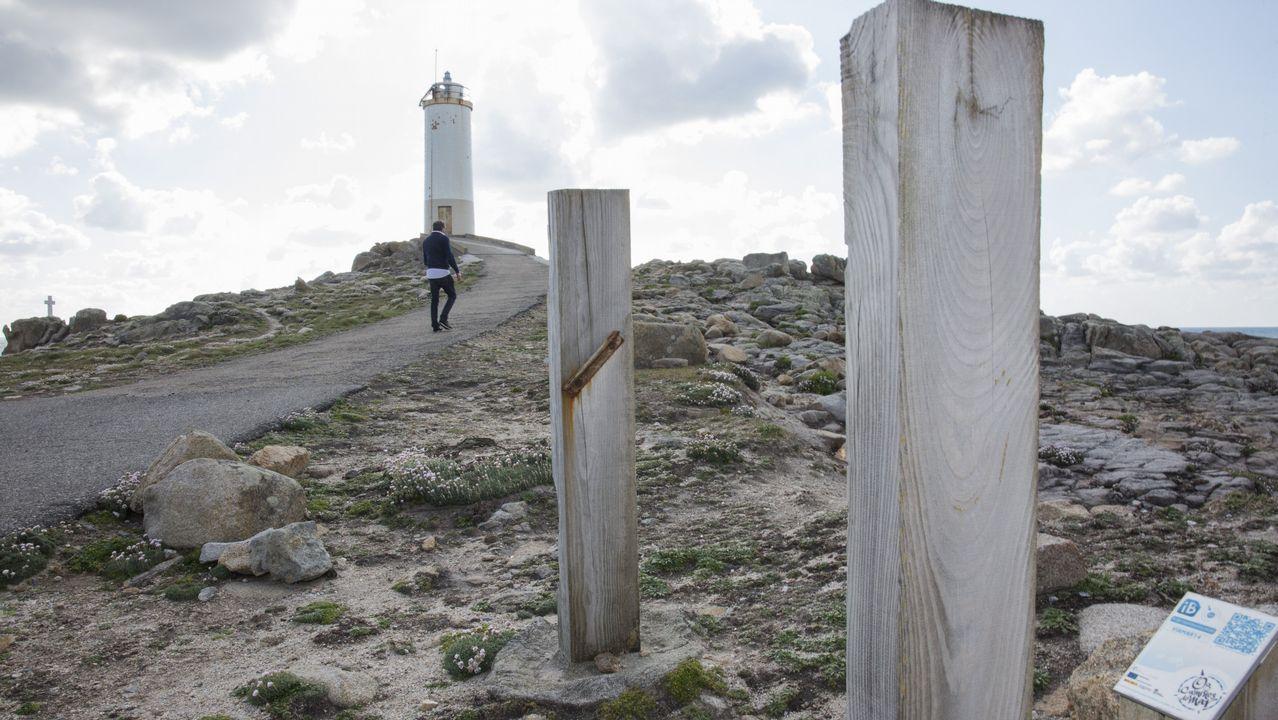 O relevo occidental das Cíes, enfrontado a mar aberto, e máis abrupto
