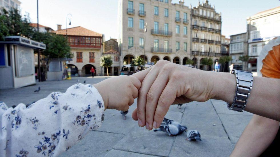 Rajoy: «No se puede pedir a la gente que se ponga de acuerdo para violar la ley».Rosa Sánchez y su marido, Juan Carlos Aguado
