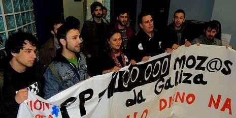 elecciones.Ana Miranda escenificó la okupación de una oficina de empleo.