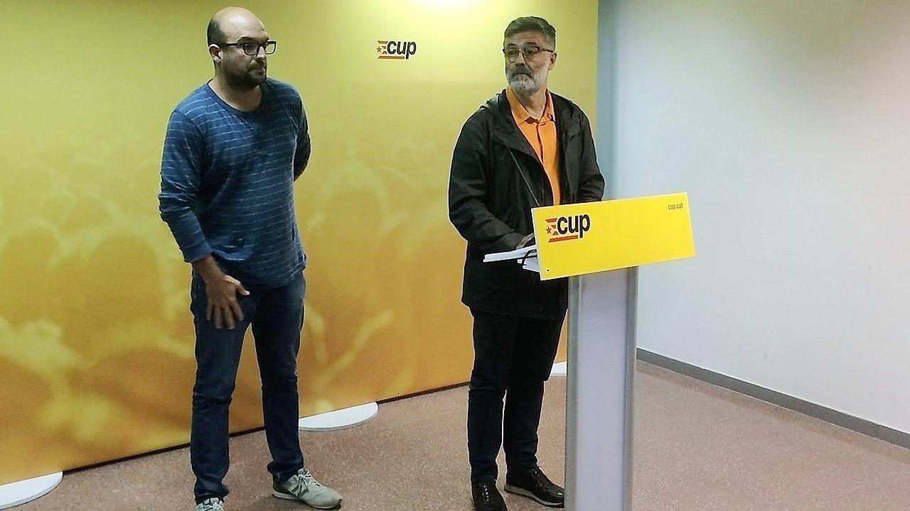 La CUP se opone a la convocatoria de elecciones autonómicas en Cataluña.Jordi Turull, en la foto junto al presidente y vicepresidente de la Generalitat