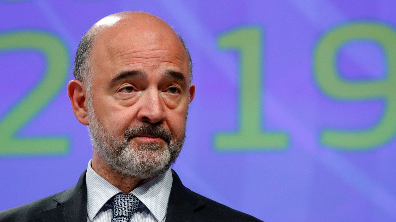 montoliu.El comisario de Economía, Pierre Moscovici