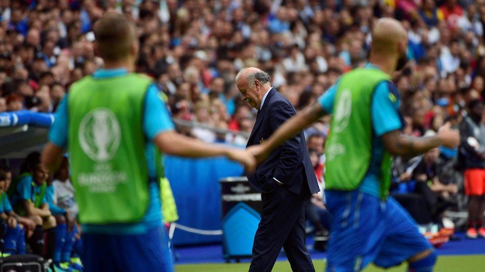 El Italia-España, en fotos.Sergio Ramos se lamenta tras la derrota contra Italia