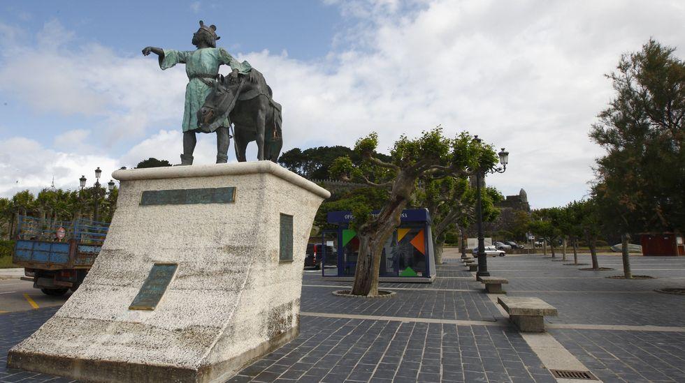 Monumento a Alfonso IX en Baiona