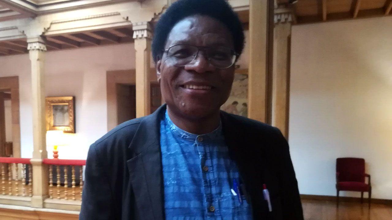 .Mbuyi Kabunda Badì, en el hotel de la Reconquista