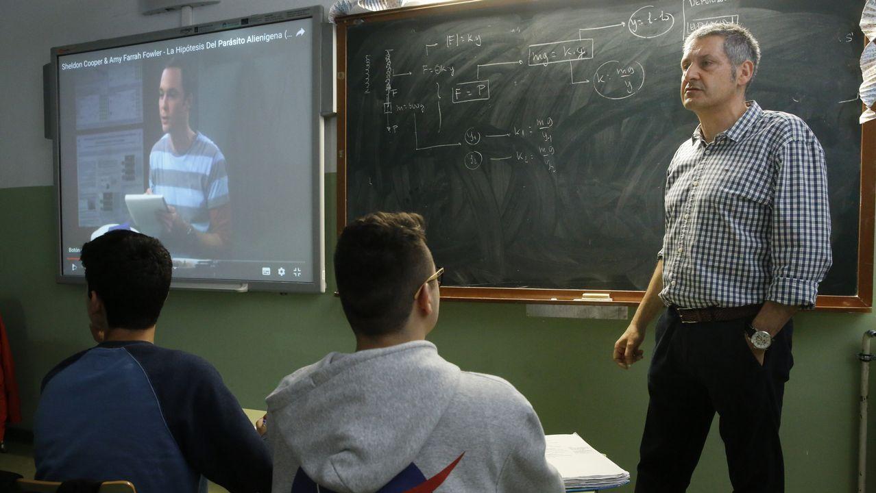 Sheldon Cooper es el alma de la serie. Un personaje odiado y amado a partes iguales. En la imagen, Jesús Fidalgo utiliza una secuencia protagonizada por Cooper en la que habla sobre la Gravedad Cuántica y la Teoría de Cuerdas.