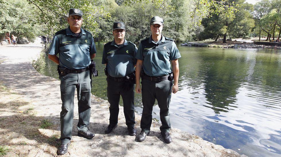 Tres de los guardias civiles al frente del operativo.