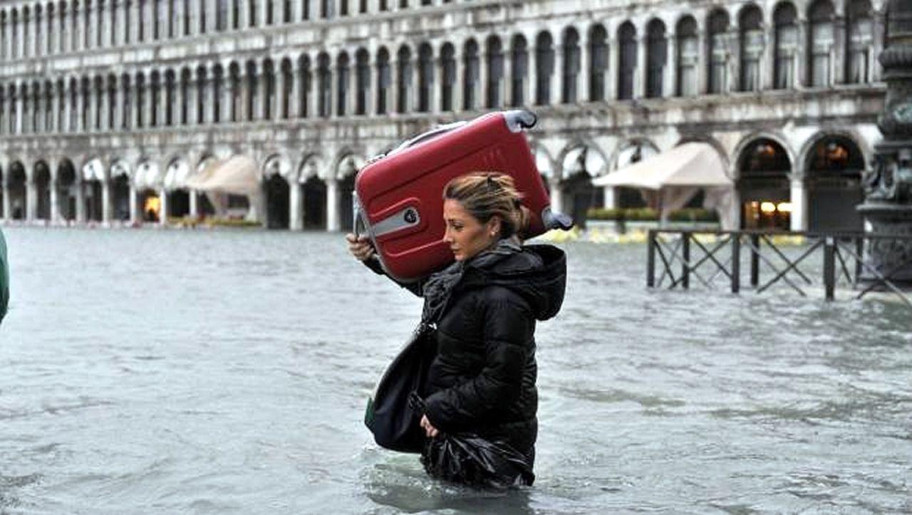 Cuando el Adriático inunda Venecia.