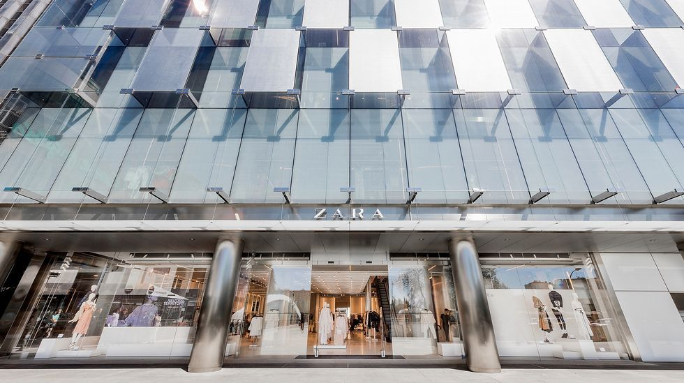 Así será el Zara más grande del mundo.Almacén de Amazon en Madrid, durante el Black Friday del 2015