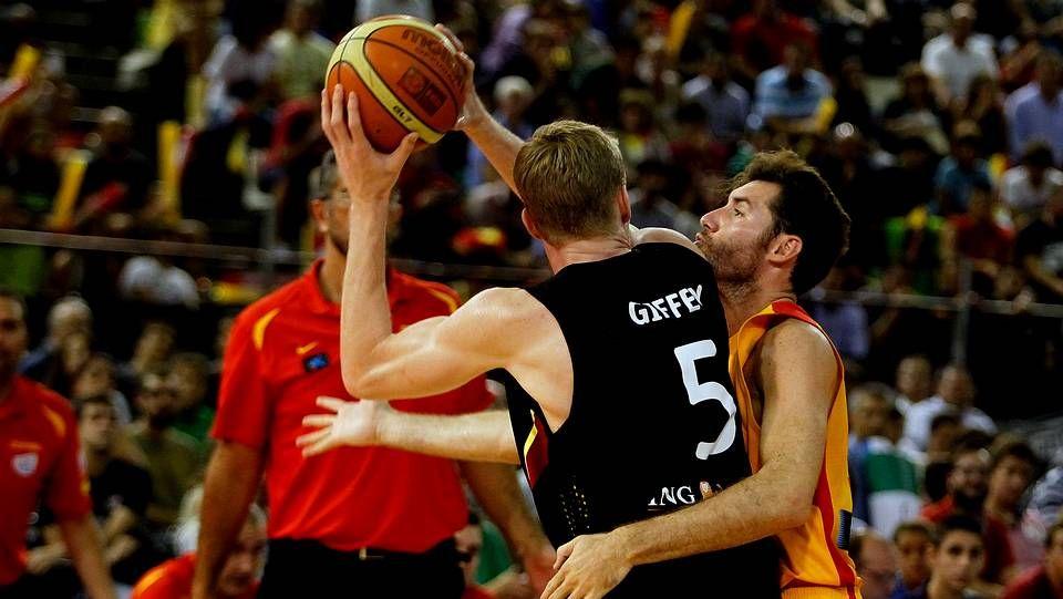 España se pase ante Alemania en Baloncesto.Marc Gasol ante el pívot croata Tomic