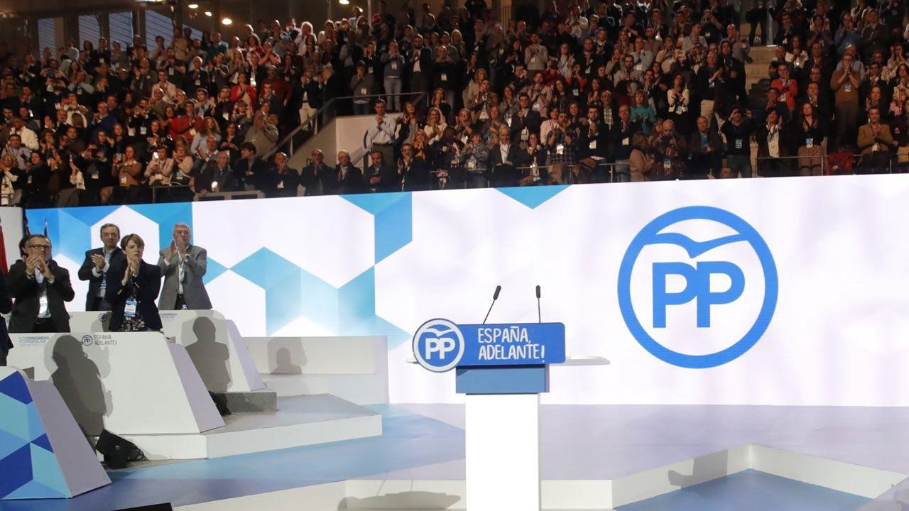 Sáenz de Santamaría reivindica su victoria en el congreso ante los afiliados.El expresidente Mariano Rajoy, durante su discurso