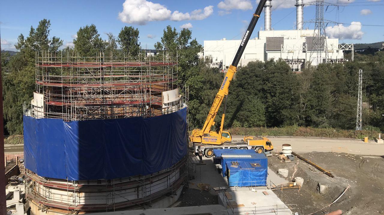 Endesa emplea en As Pontes a 700 personas y en las obras de adaptación está trabajando medio millar