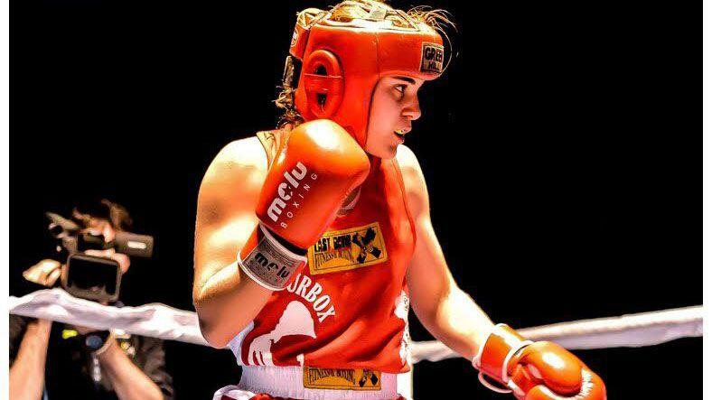 La boxeadora Laura Fuertes en el cuadrilátero