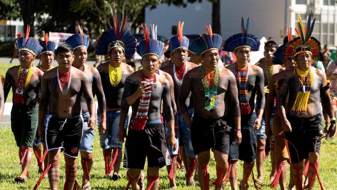 Cientos de indios permanecen acampados desde el jueves en Brasilia