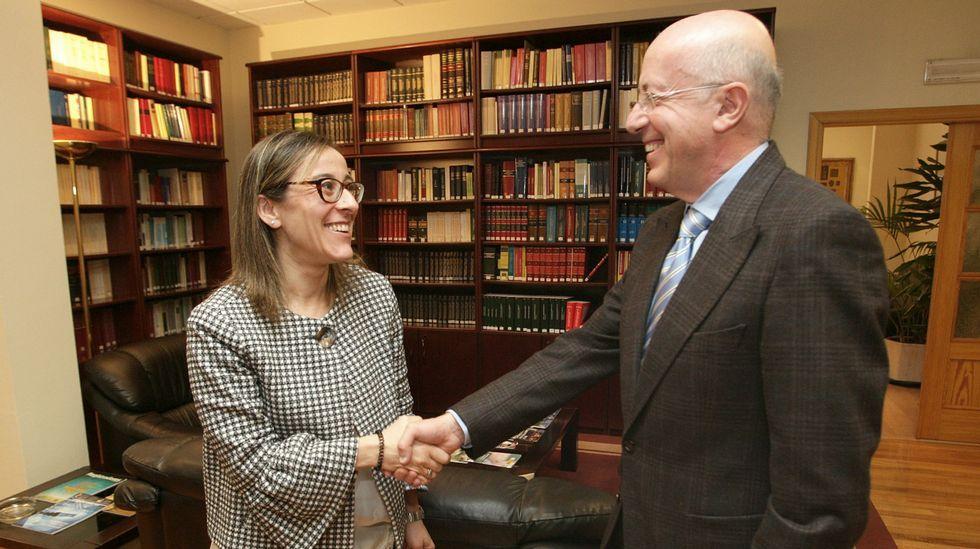 Carme Chacón,la primera mujer ministra de Defensa.Vivienda puesta a la venta por Bankia en Gijón